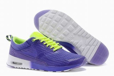 Nike Thea Verte Kaki